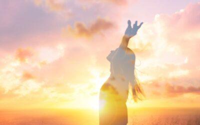 """Tri """"mantre"""" za stvaranje snažnog samopouzdanja iz knjige Tečaj čuda"""